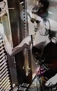 Chiara Di Genova , qui est donc prêt à l'aimer/détester ?! Kaya_scodelario_006-b1ad83